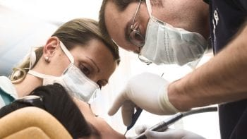 Dentiste : Métier considéré comme le plus à risque pour la santé aux Etats-Unis
