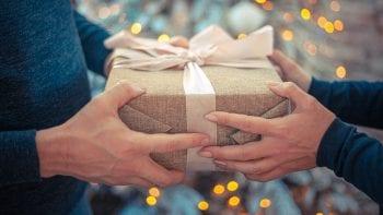 Les Français espèrent-ils des cadeaux de Noël qu'ils n'auront pas ?